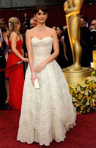 Penelope.Cruz.vintage.Balmain.Oscars.2009.2