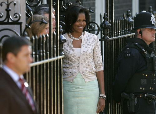First.Lady.Michelle.Obama.J.Crew.UK.visit2