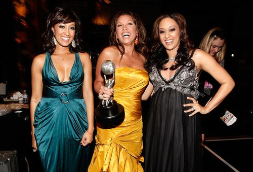 NAACP.Vanessa.Williams.Tia.Tamera.Mowry.backstage