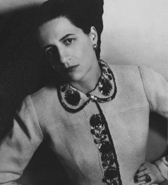 55.Diana.Vreeland.in.Elsa.Schiaparelli.April.1937.Louise.Dahl.Wolfe